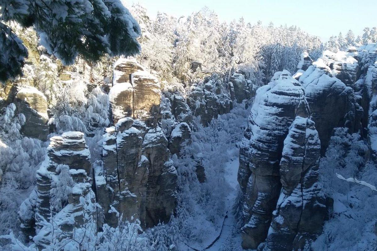 Hiking Czech Republic in winter (8)